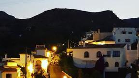 Bédar at night